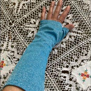 1970's Sky Blue Lurex Gloves
